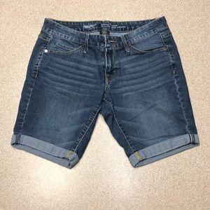💋Mossimo mid rise bermuda  shorts size 6